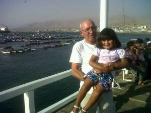 Patricio Palma y su hija Matilda en Puerto Ilo - Perú