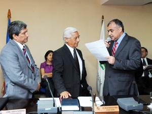 Juramento de profesor Ernesto Lee Vasquez