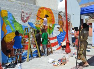 Pintando mural