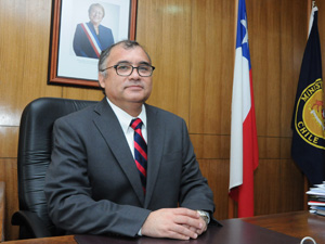 Intendente regional Emilio Rodríguez