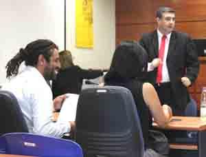Rasyari Julio Humberto Maturana en los momentos de decretada su libertad en el Tribunal Oral en lo Penal de Arica