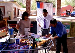 Andrea Murillo gobernadora de Arica, Iván Romero, alcalde de Camarones y  Orlando Céspedes director regional de FOSIS.