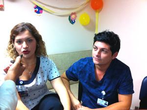 Leticia Sanzana, tesorera Colegio de Enfermeras/os  Regional Arica y Parinacota, y el enfermero Eduardo Farfán