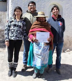 Jacinta Blanco  junto al equipo de INDAP