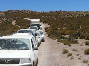 Los 12 vehículos incautados por efectivos de carabineros del retén Chilcaya