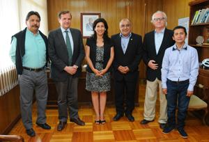 Intendenta regional Gladys Acuña junto a directivos locales y presidente nacional de ARCHI, Luis Pardo