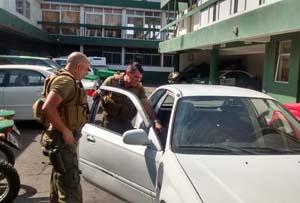 carabineros_detenidos_auto_robado
