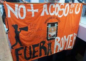 uta_bandera_fuera_romero