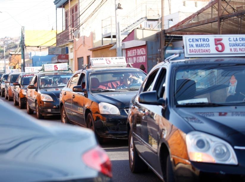 taxis_en_fila